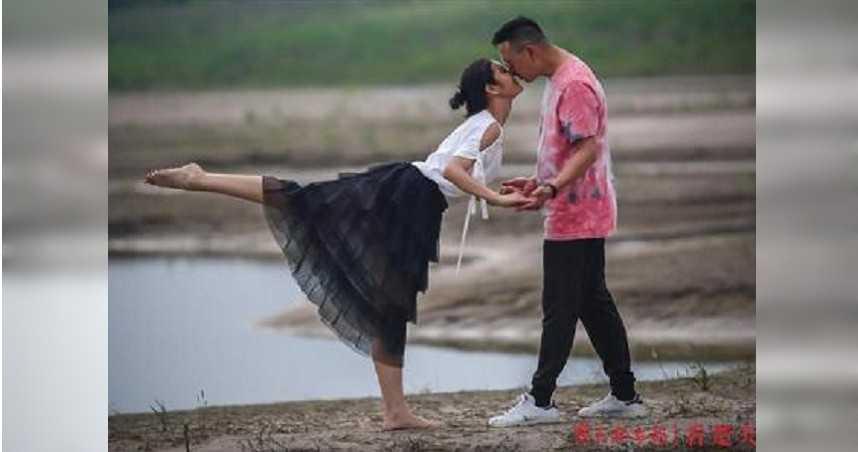 武漢解封「芭蕾之吻」好唯美! 攝影師拍出一場「不倫戀」