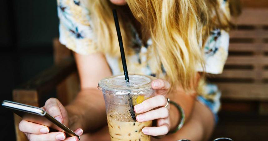 18歲少女每日狂灌2杯奶茶! 口乾、多尿昏迷送醫搶救
