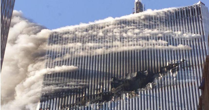 911恐攻女英雄!華裔空姐冒死回報飛機被劫 最後通話內容曝光