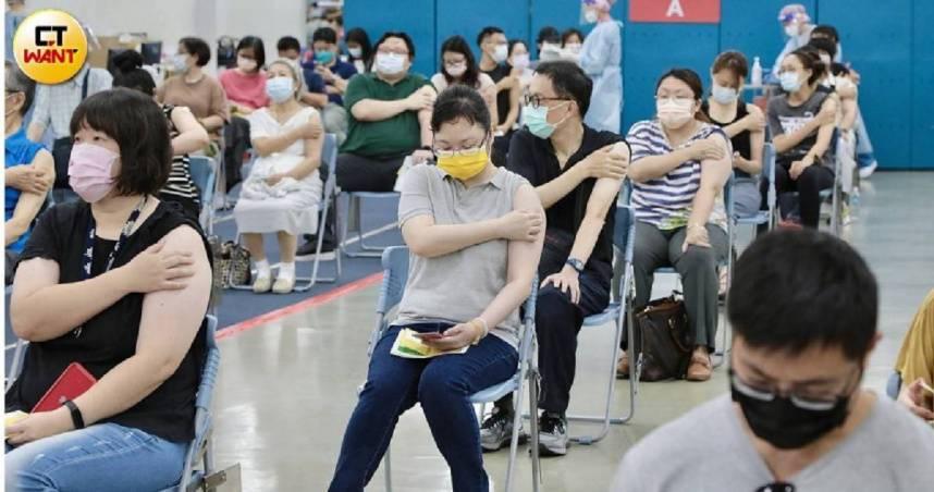 已連5度贈台灣新冠疫苗 日本再送「30萬劑AZ疫苗」明運抵台灣