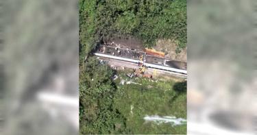 太魯閣出軌傷亡慘重…至少36死 4縣市消防局趕赴現場支援