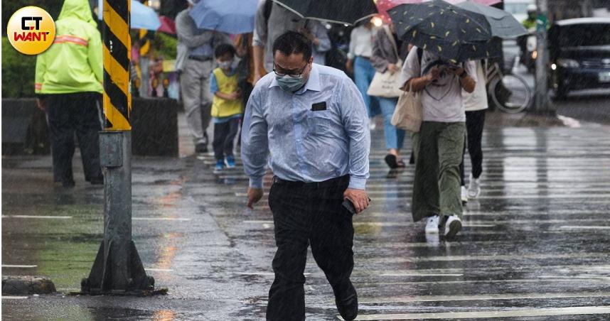 「5年最強」璨樹強襲!6縣市放颱風假 9/12全台停班課一覽