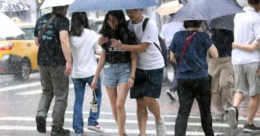 入秋有感鋒面抵台? 「豪雨夜襲」全台8縣市大雨特報