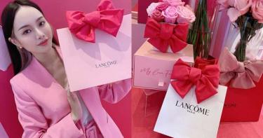 蘭蔻好懂女孩心!超浪漫「幸福蝴蝶結包裝服務」把買保養這件事變成最甜蜜禮物~就算沒有男朋友 自己提回家也會大滿足!!!