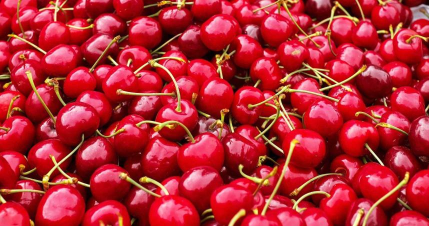 女子5天吃3公斤櫻桃腹痛暈倒 醫生診斷竟是氰化物中毒