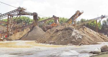 台中南屯寶文砂石場 申請未過9月底得停業