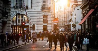 英國想彌補財政空缺 不排除課徵富人稅