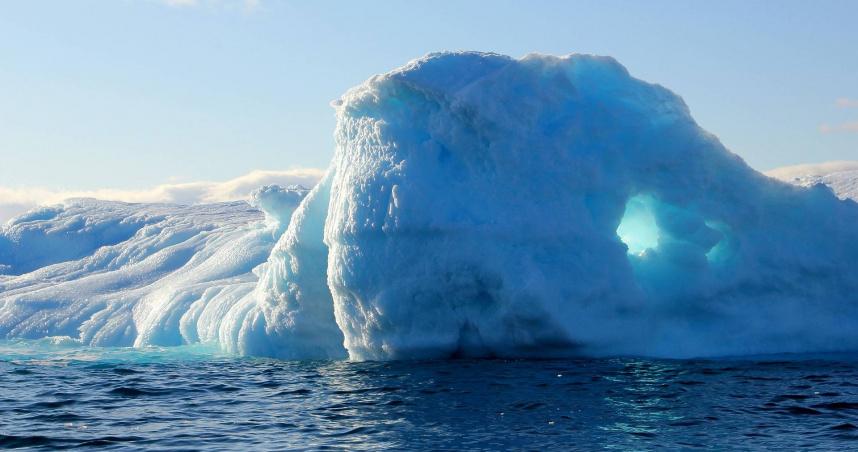 格陵蘭冰頂下雨史上第一次 全球暖化警訊