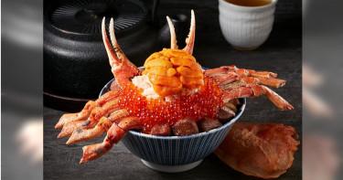 整隻松葉蟹放上經典角切牛排丼好浮誇,就算痛風也要吃!