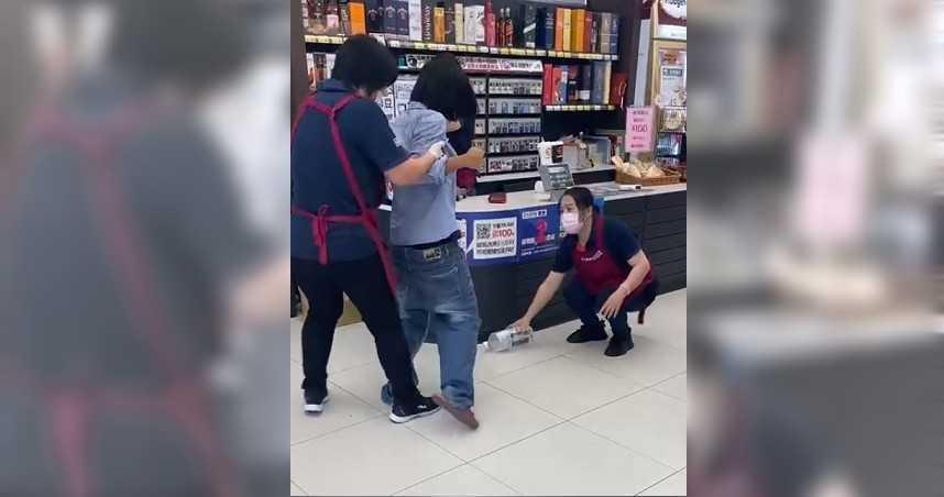 台灣確診人數爆增 外媒分析:無視法律的老人與機師成破口