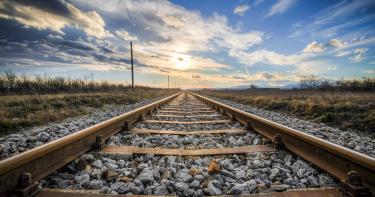 失業在即意欲自殺!38歲警察死前播通父母電話 恢復求生意志後仍遭火車撞死