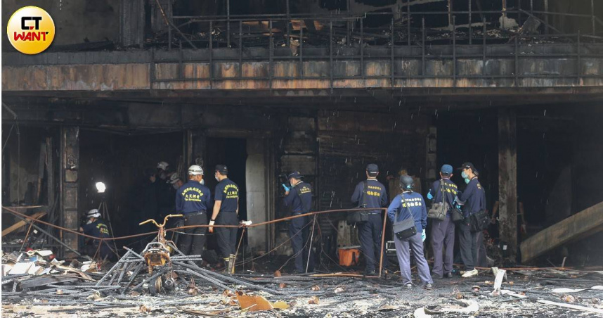 高雄城中城大火增至21死…1消防員受傷送醫 PTT貼文列重要證據:有爆炸聲