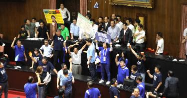 國民黨控立法院議事不中立「沒發表決卡」 林志嘉:全部都如實發放