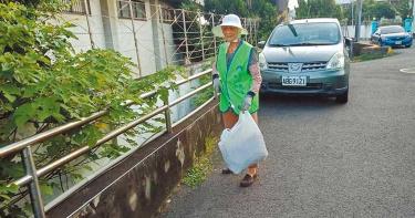 無私奉獻!97歲志工嬤掃街從不缺席 7年全勤護環境