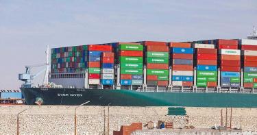 長賜號卡6天!埃及索賠10億美元 貨物、25名船員仍遭扣留