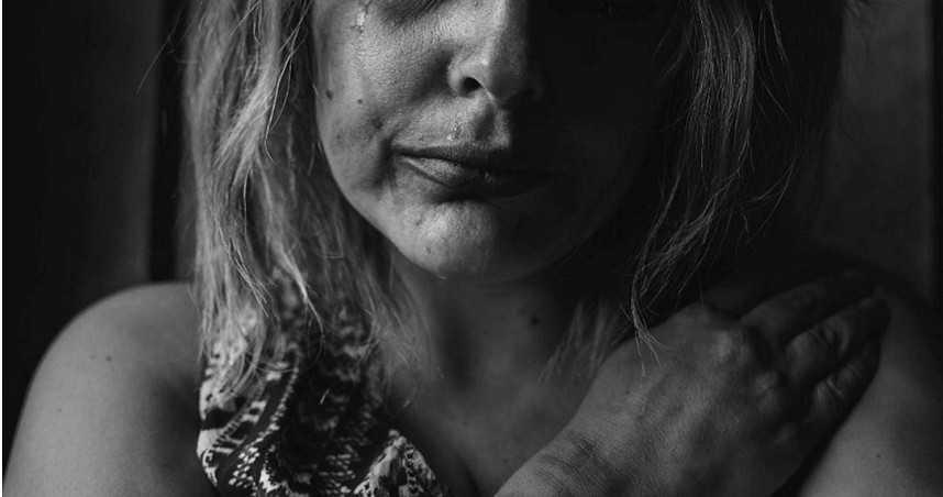 女被暴徒強押下車 首都街頭慘遭「20男集體性侵」