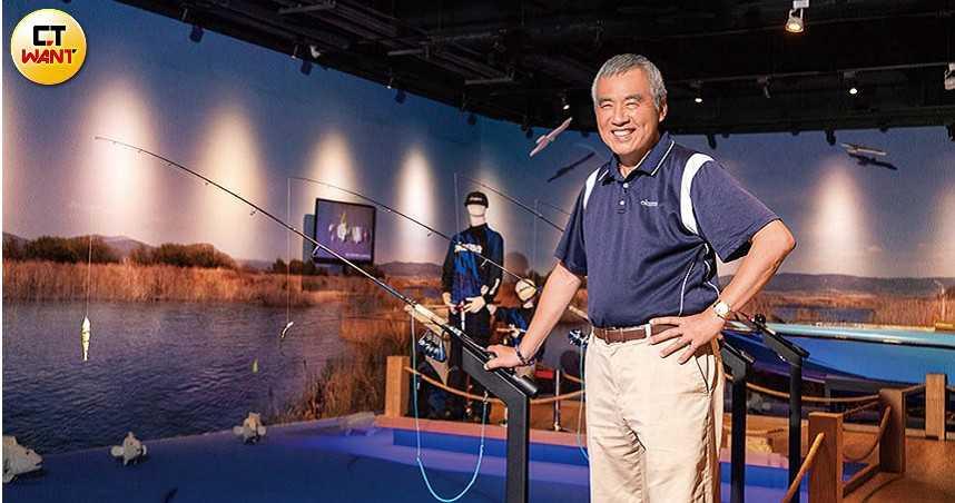 鉤出全球第三1/從小看舅舅自製捲線器 長大創立全球唯一「釣具觀光工廠」