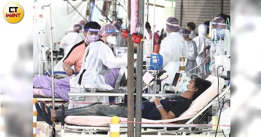 台北醫院急診戶外搭棚收病患? 指揮中心回應:在等篩檢結果