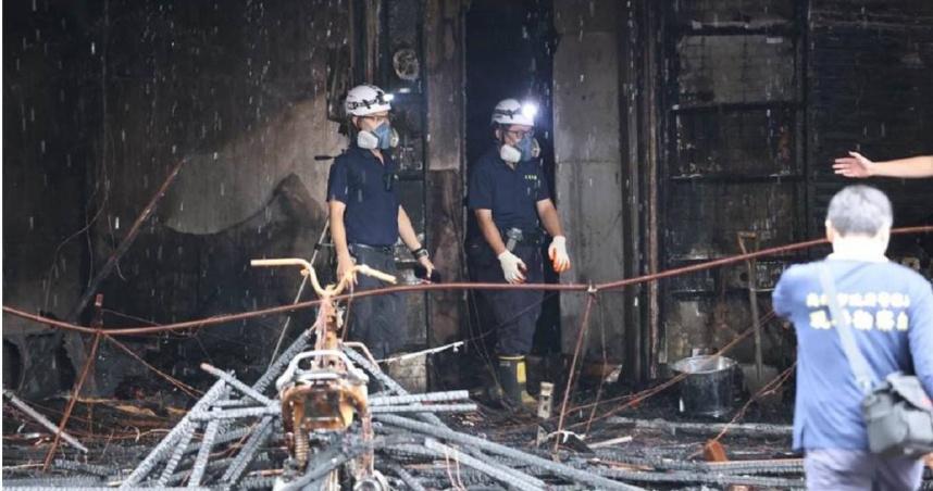 不排除人為縱火…高雄城中城大火至少14死 4人被警帶回調查身分曝光