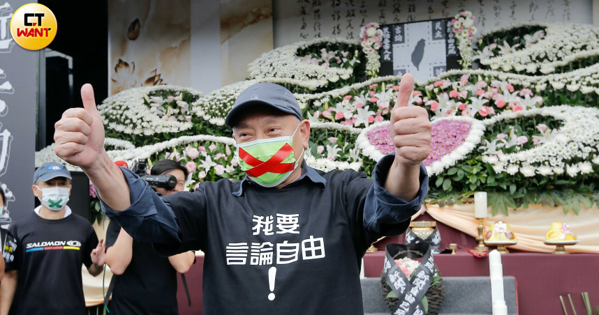 現身秋鬥現場 蔡衍明:政府不該扼殺言論自由