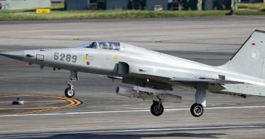 F-5E墜海/F-5E戰鬥機再失事!2飛官跳傘失聯搜救中 在台服役逾40年「22名飛官殉職」
