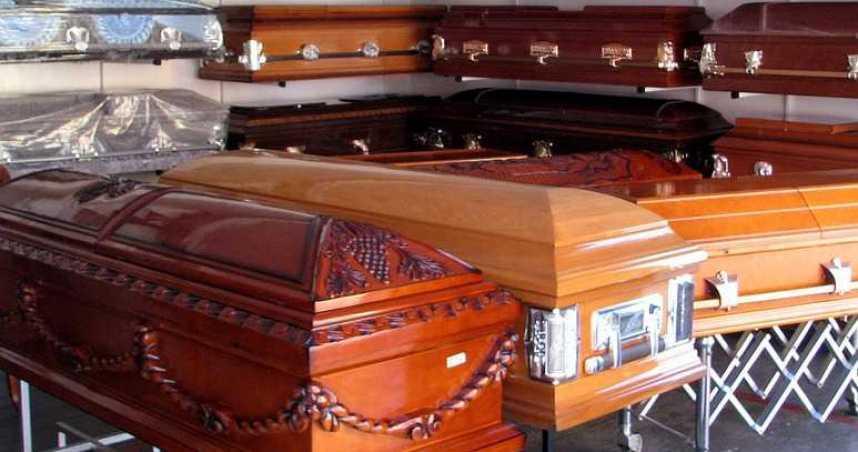 男不信愛妻染疫亡!遺體下葬5天仍「開棺挖出」 驗屍結果出爐後悔了