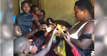 結婚24年生44個嬰兒 烏干達婦女被醫生強制移除子宮