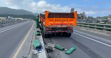 快訊/宜蘭蘇澳發生砂石車碰撞工程車意外! 2工人當場沒生命跡象