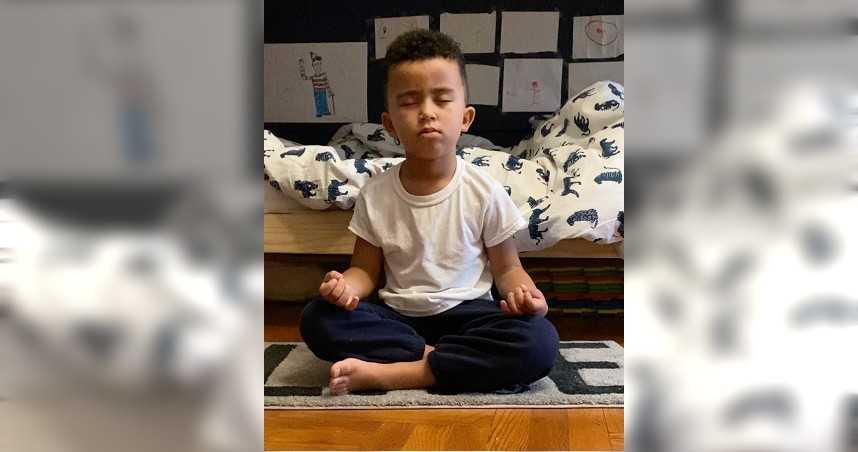 5歲男童靠打坐募集81.5萬元 為無家可歸的孩童送上聖誕禮物