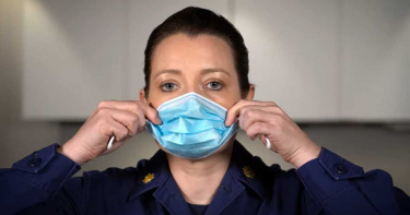 台灣防疫觀念太舊?美醫提:口罩戴2層 「立體折法」30秒搞定