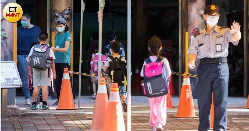 社區和校園遭Delta入侵! 急診醫嘆「來的比預期中早」 呼籲立即升三級