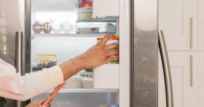 男童喝冰箱飲料竟「狂吐狂拉」 營養師曝恐怖真相:滿滿細菌