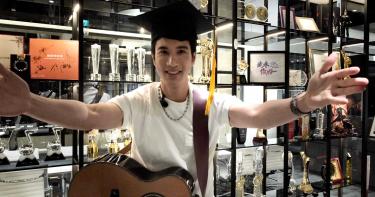 王力宏視訊參加畢業典禮 〈我們的歌〉勉勵學生