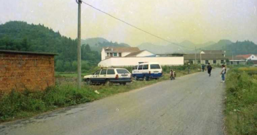 路人當街被捅死!凶手逃17年落網 「為了妹妹殺人」坎坷身世曝光
