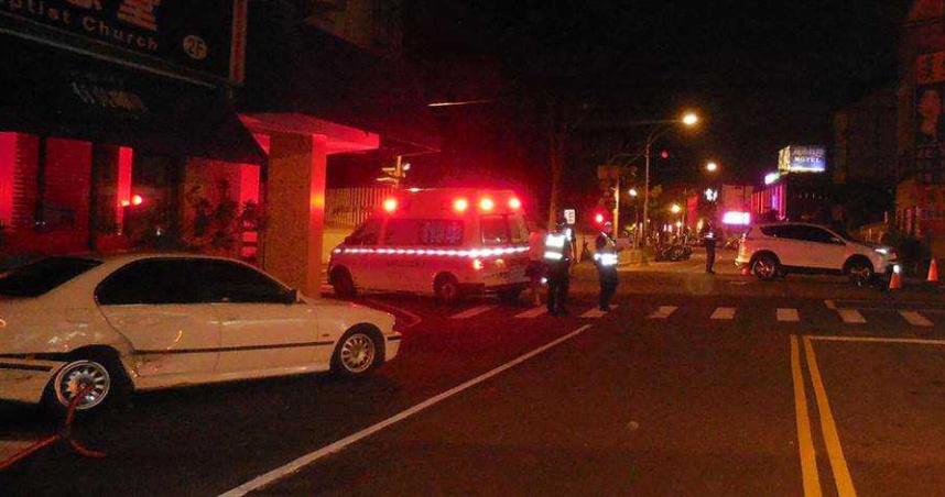 台中大里深夜二車相撞 被撞車主竟棄車逃逸