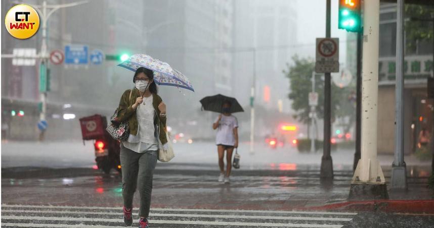 「奧麥斯」颱風若死灰復燃…侵台機率曝光 今2區防午後雷雨