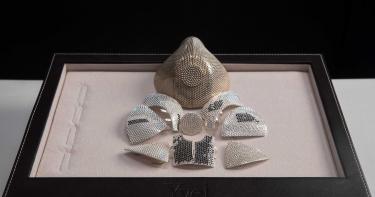 有錢真任性!就是想要「鑽石口罩」一枚3600顆 要價6千萬