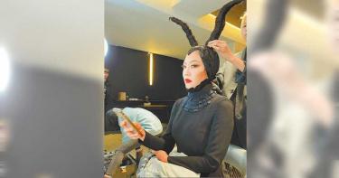 「髮神在路邊」上演剪髮秀 吳依霖化身超酷「黑魔女」