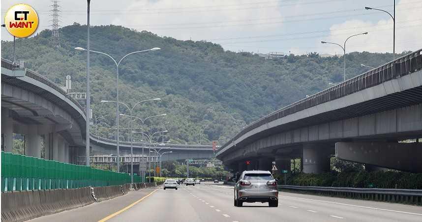 一路暢通!端午收假日冷清 國道大減60%交通量