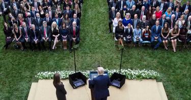 川普等7人確診!大法官提名典禮恐為「超級傳播者大會」 多數人沒戴口罩