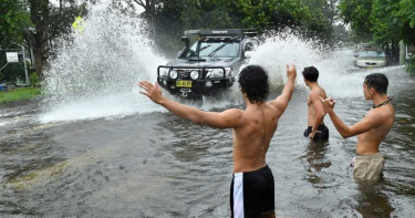雪梨30年來最大規模降雨 多路段、多校封閉氾濫成災