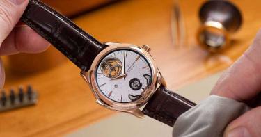 【奢華時尚情報】隆重獻映全新馬利龍系列交響樂三問腕錶