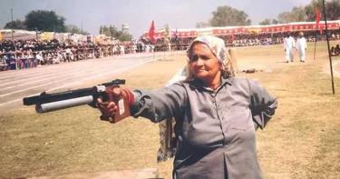 65歲開始拿槍 89歲印度神槍手奶奶獲獎超過百枚