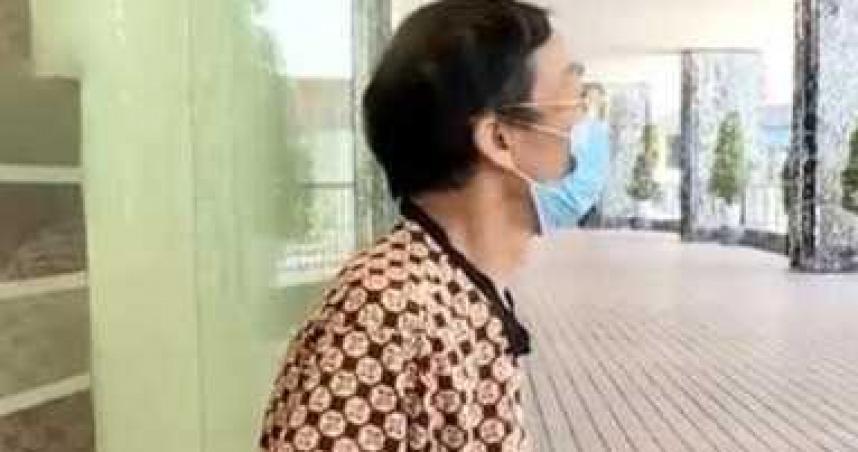 人妻偷吃樓上小王30年!75歲尪找人算帳 驚覺「還有別的小王」
