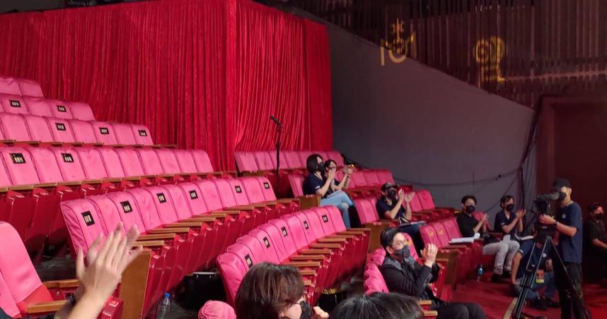 藍祖蔚貼出綜藝人「走光照」引爭議 黃子佼描述現場籲互相尊重