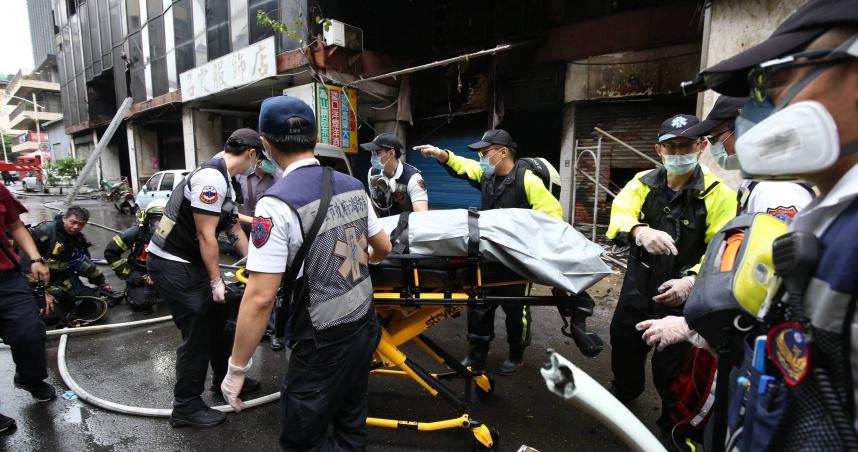 高雄城中城7至10樓死傷慘重 27人發現時已無生命跡象