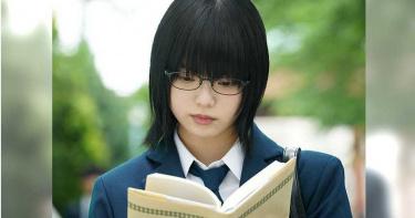 不爽被挑釁 「欅坂46」前成員踹飛芥川賞作家