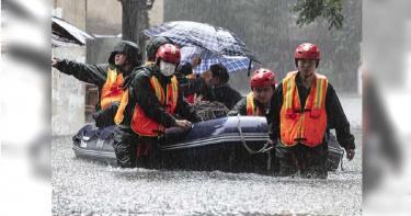 三峽大壩洩洪下游慘狀曝光! 目擊者:不要隨便摸電線杆