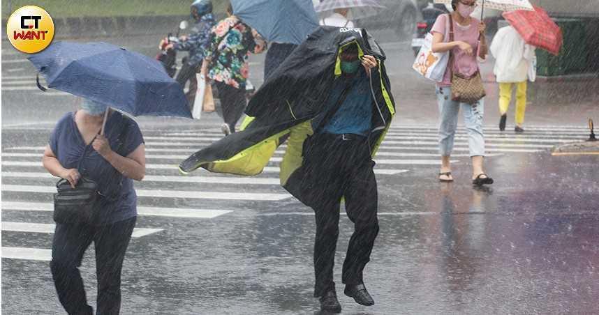 西南氣流到了!「雷雨開炸北北基」升豪雨警戒 專家示警:只是開端