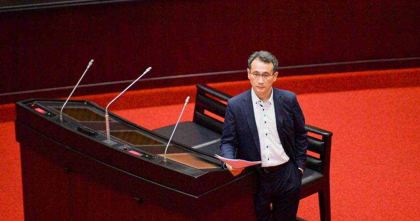 林佳龍提研議重懲惡意逼車 鄭運鵬:我上會期已提案修法